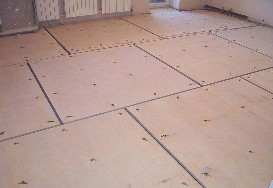 Как выровнять деревянный пол под ламинат фанерой