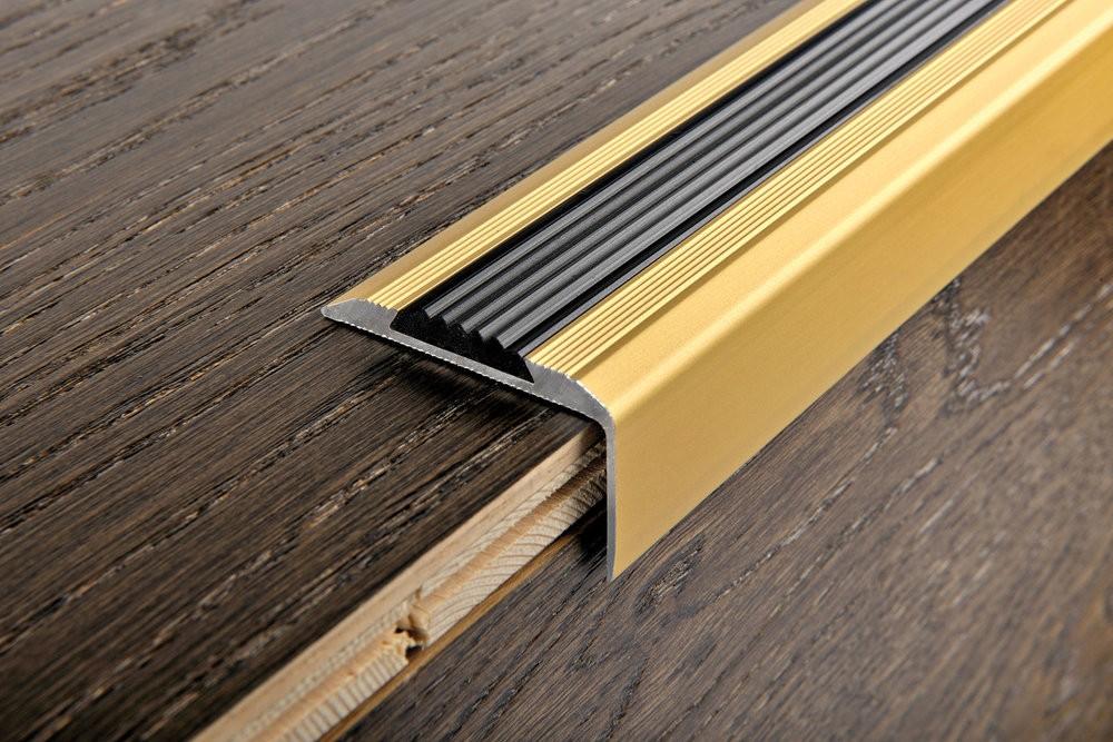 Лестничный Г-образный порожек для облицовки лестницы ламинатом