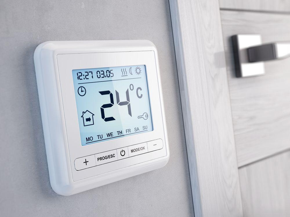 Терморегулятор теплого пола в интерьере дома