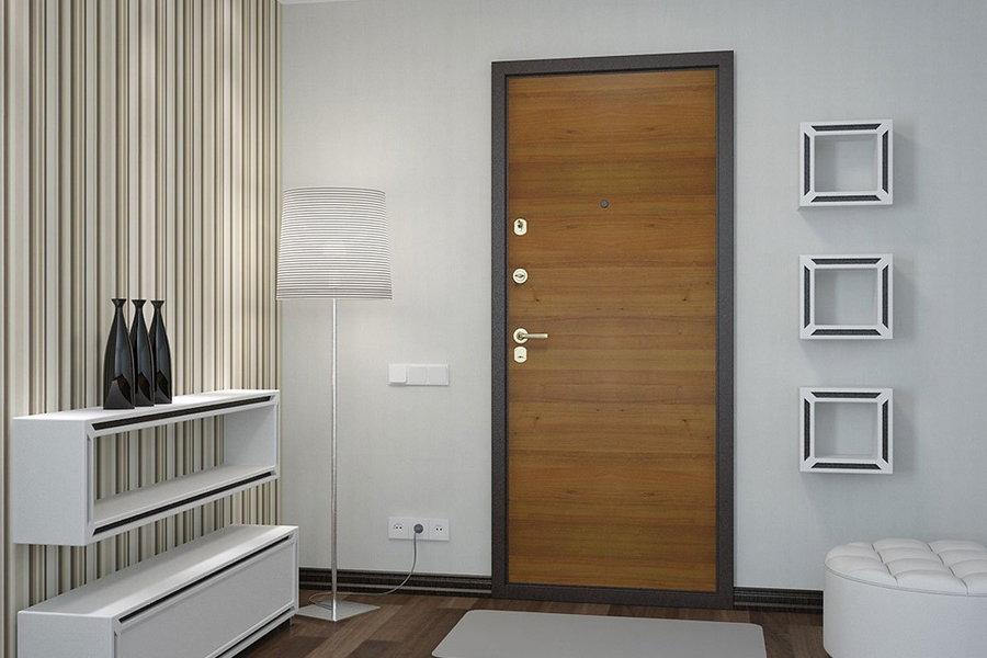 Металлическая дверь из ламината