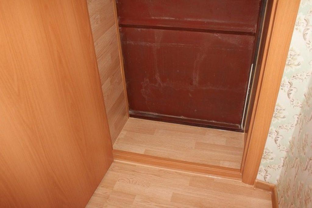 Откосы из ламината для входной двери